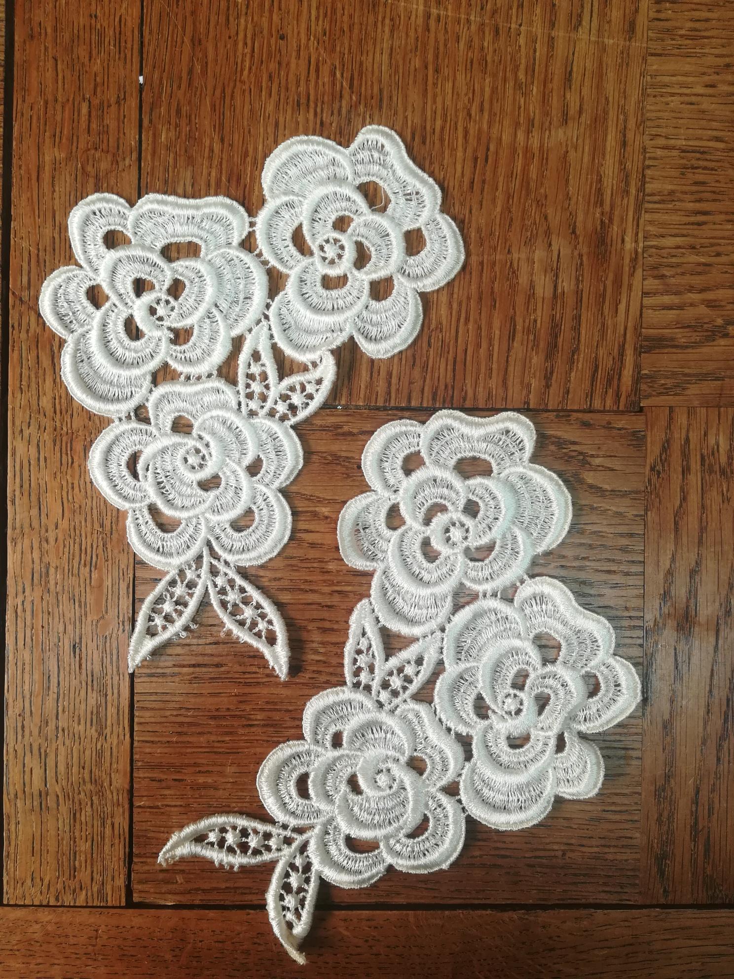 Applique de fleurs aspect coton 824bis